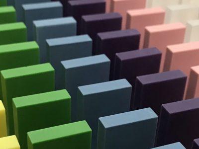 Plastic dominosteentjes hebben de voorkeur boven houten dominoblokjes